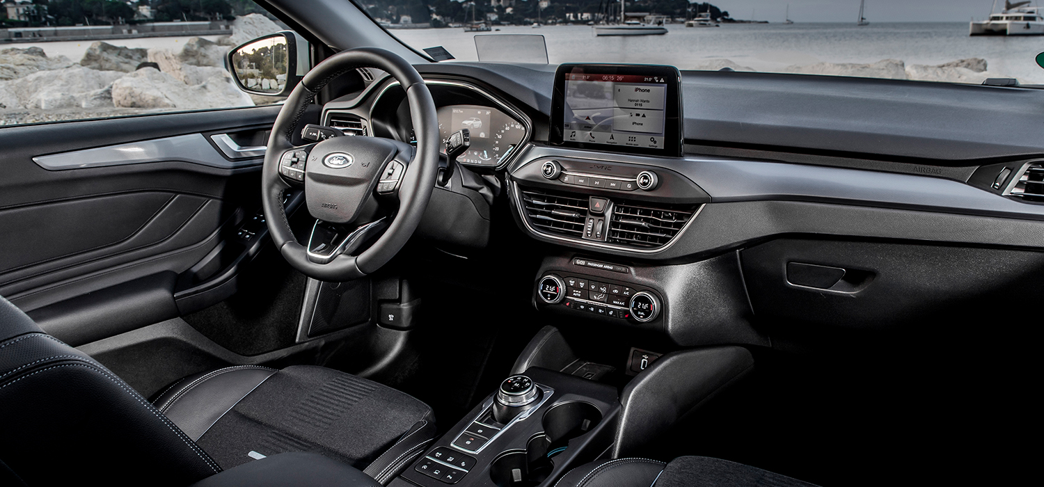 Ford Focus Active Wagon interieur automaat