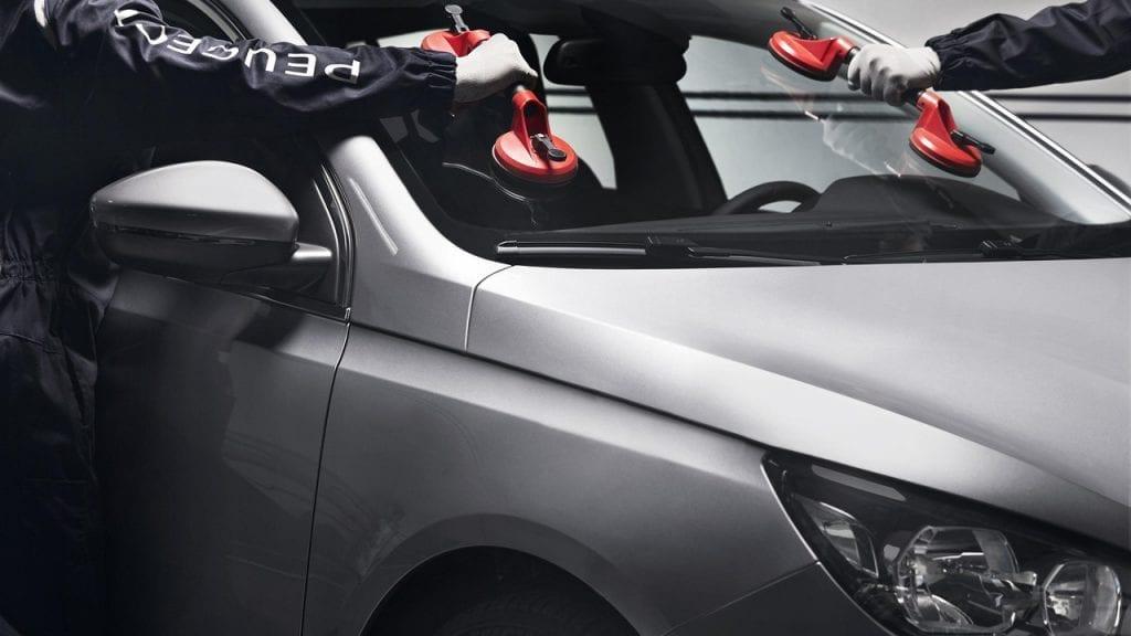Peugeot ruitenservice bij Wassink Autogroep