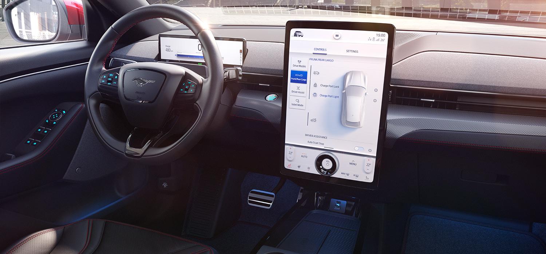 Ford Mustang Mach E touchscreen bij Wassink Autogroep
